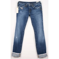 Diesel - Kycut Slim Fit Straight Leg Jeans  Sz. 8 L/to finish